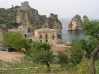 torre di avvistamento, tonnara e faraglioni - 19 aprile 2008   - Scopello (819 clic)