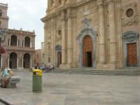Piazza della Repubblica, Chiesa Madre e Palazzo VII Aprile 1860 - 24 settembre 2007  - Marsala (1320 clic)