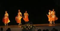 presso il Teatro Cielo d'Alcamo, il Saggio di danza, diretto da Rosanna Stabile - ARTE LIBERA - I Colori del mondo: LA PACE (foto 33)- 16 GIUGNO 2007  - Alcamo (1026 clic)