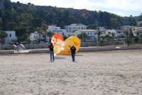Raduno di amatori di aquiloni: l'Aquilon Act - 10 maggio 2009   - San vito lo capo (2248 clic)