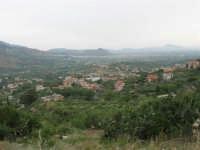 panorama: guardando verso Borgetto e Partinico; all'orizzonte il Monte Bonifato - 1 giugno 2007  - Montelepre (3100 clic)