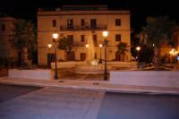 la fontana in piazza Europa - 20 dicembre 2008   - Castellammare del golfo (490 clic)