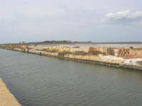 canale dell'imbarcadero per l'isola di Mozia e saline Infersa - 24 settembre 2007  - Marsala (1089 clic)