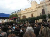 Festa di li Schietti - Piazza Duomo - il palco - la gara dell'alzata dell'albero - 23 marzo 2008     - Terrasini (1657 clic)