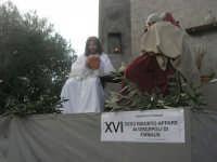 Processione della Via Crucis con gruppi statuari viventi - 5 aprile 2009   - Buseto palizzolo (1660 clic)