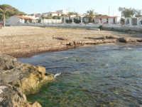 la piccola spiaggia - 27 aprile 2008   - Cornino (2004 clic)