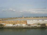 canale dell'imbarcadero per l'isola di Mozia, saline Infersa e mulini a vento - 24 settembre 2007  - Marsala (1116 clic)