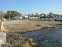 la piccola spiaggia - 27 aprile 2008   - Cornino (961 clic)