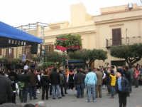 Festa di li Schietti - Piazza Duomo - il palco - la gara dell'alzata dell'albero - 23 marzo 2008     - Terrasini (1808 clic)