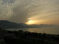 tramonto sul Golfo di Castellammare - 21 maggio 2006   - Alcamo marina (1166 clic)
