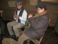 Presepe Vivente presso l'Istituto Comprensivo A. Manzoni, animato da alunni della scuola e da anziani del paese - 20 dicembre 2007   - Buseto palizzolo (957 clic)