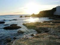 scogliera al calar del sole - 4 gennaio 2007  - Torretta granitola (1127 clic)