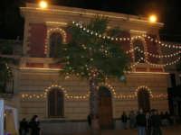 atmosfera natalizia in piazza Ciullo - 23 dicembre 2006   - Alcamo (1231 clic)