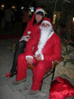 atmosfera natalizia in piazza Ciullo - 23 dicembre 2006   - Alcamo (1257 clic)
