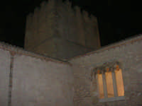 Castello dei Conti di Modica, cortile interno - 21 giugno 2007  - Alcamo (805 clic)