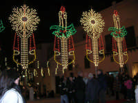 atmosfera natalizia in piazza Ciullo - 23 dicembre 2006   - Alcamo (1043 clic)