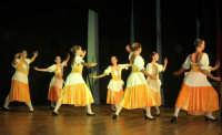 presso il Teatro Cielo d'Alcamo, il Saggio di danza, diretto da Rosanna Stabile - ARTE LIBERA - I Colori del mondo: LA PACE (foto 44)- 16 giugno 2007  - Alcamo (1147 clic)