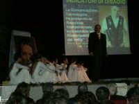 Teatro Euro - Le ragazze della scuola di danza Arte Libera durante la conferenza tenuta dal Dott. Carmelo Impera sul tema Educare oggi giovani e famiglie - Un modello per promuovere l'agio e prevenire il disagio, organizzata dall'Opera Salesiana Don Bosco di Alcamo ed il Centro Socio-Psico-Pedagogico Carl Rogers - Comunità di Accoglienza Oasi Don Bosco di Ispica (RG) - 29 gennaio 2006  - Alcamo (1270 clic)