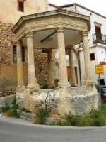 CAFE' HOUSE - gazebo a base ottagonale del XIX secolo - 1 giugno 2007  - Giardinello (3992 clic)
