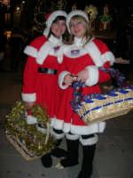 atmosfera natalizia in piazza Ciullo - 23 dicembre 2006   - Alcamo (1345 clic)