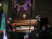 Venerdì Santo: processione del Cristo Morto e dell'Addolorata - piazza Ciullo - 21 marzo 2008   - Alcamo (850 clic)