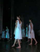 presso il Teatro Cielo d'Alcamo, il Saggio di danza, diretto da Rosanna Stabile - ARTE LIBERA - I Colori del mondo: LA PACE (foto 50)- 16 giugno 2007  - Alcamo (1071 clic)