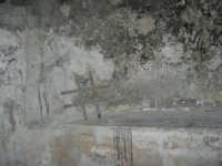 Castello dei Conti di Modica, interno: particolare di una cella - 21 giugno 2007  - Alcamo (1032 clic)