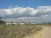 nei pressi del Lido Majata Beach in contrada Punta Grande - In fondo Porta Empedocle - 7 settembre 2007  - Realmonte (1888 clic)