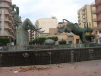 la fontana nella Piazza Francesco Pizzo - 24 settembre 2007  - Marsala (1315 clic)