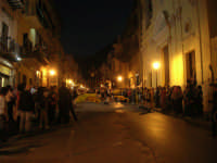 2° Corteo Storico di Santa Rita - Associazione Sbandieratori Città di Caccamo: esibizione dinanzi la Chiesa S. Antonio - 17 maggio 2008   - Castellammare del golfo (496 clic)