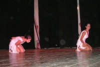 presso il Teatro Cielo d'Alcamo, il Saggio di danza, diretto da Rosanna Stabile - ARTE LIBERA - I Colori del mondo: LA PACE (foto 53)- 16 giugno 2007  - Alcamo (1054 clic)