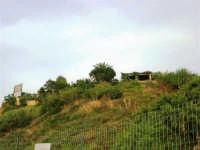 il locale La Conchiglia visto dal lato mare - 1 giugno 2007  - Balestrate (1945 clic)