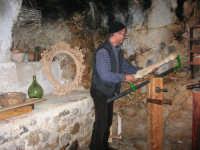 Il Presepe Vivente di Custonaci nella grotta preistorica di Scurati (grotta Mangiapane) (202) - 26 dicembre 2007   - Custonaci (1006 clic)