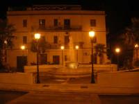 la fontana in piazza Europa - 20 dicembre 2008   - Castellammare del golfo (501 clic)