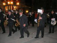 Venerdì Santo: processione del Cristo Morto e dell'Addolorata - piazza Ciullo - Complesso Bandistico Città di Alcamo - 21 marzo 2008   - Alcamo (1074 clic)