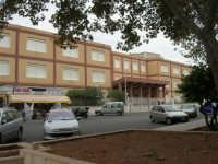 Piazza Francesco Pizzo - 24 settembre 2007  - Marsala (1610 clic)