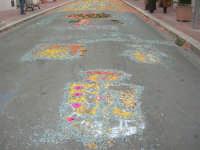 Festa di li Schietti - ciò che resta dell'infiorata nell'ultimo giorno della festa - 23 marzo 2008   - Terrasini (2692 clic)