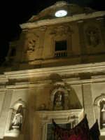 Venerdì Santo: processione del Cristo Morto e dell'Addolorata - piazza Ciullo, dinanzi la Chiesa del Collegio - 21 marzo 2008   - Alcamo (743 clic)