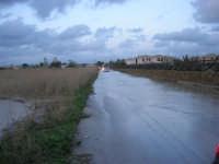 quasi un fiume la strada, dopo la pioggia della notte precedente - 1 febbraio 2009   - Marsala (5410 clic)