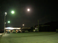piazzale Canalotto - il locale Sunshine al chiaro di luna - 26 settembre 2007  - Alcamo marina (1266 clic)