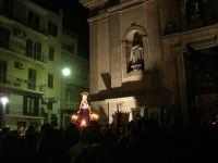Venerdì Santo: processione del Cristo Morto e dell'Addolorata - piazza Ciullo, dinanzi la Chiesa del Collegio - 21 marzo 2008   - Alcamo (1082 clic)