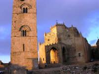 Duomo (sec. XIV) e Torre Campanaria (sec. XII) - 14 luglio 2005   - Erice (1353 clic)