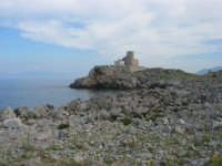 Capo San Vito - Torre dell'Usciere, detta Sciere (torre costiera di avvistamento per la difesa dai pirati) - 10 maggio 2009  - San vito lo capo (1698 clic)