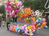 Festa di li Schietti - Piazza Duomo - bancarella dei palloncini - 23 marzo 2008   - Terrasini (3773 clic)
