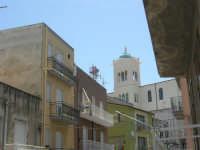 via Monte Bonifato - il campanile della Chiesa di San Giuseppe - 18 giugno 2007  - Alcamo (1035 clic)