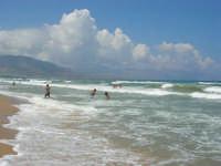 c/da Canalotto: domenica, mare mosso - 30 luglio 2006  - Alcamo marina (1350 clic)