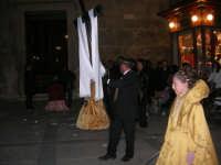 Venerdì Santo: processione del Cristo Morto e dell'Addolorata - piazza Ciullo - 21 marzo 2008   - Alcamo (844 clic)