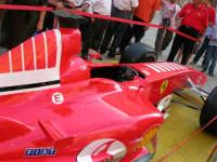Festeggiamenti in onore di Maria Santissima dei Miracoli - Piazza Ciullo: la Ferrari in esposizione - 20 giugno 2005  - Alcamo (1470 clic)