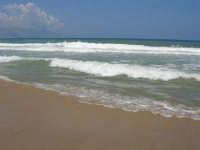 c/da Canalotto: domenica, mare mosso - 30 luglio 2006  - Alcamo marina (1129 clic)