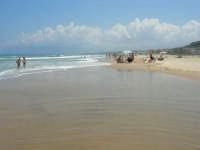 c/da Canalotto: domenica, mare mosso - 30 luglio 2006  - Alcamo marina (1260 clic)